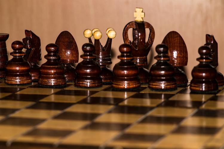 Objets décoratifs en bois - pièces de jeu d'échecs
